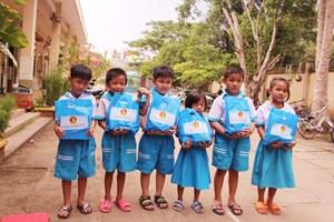 Cần Thơ: Những chuyến xe chở ước mơ cho trẻ em vùng sâu