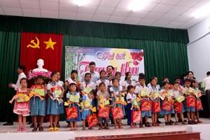 Cần Thơ: Tổ chức Trung thu cho trẻ em nghèo
