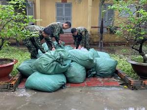 An Giang: Buôn lậu thả hàng trôi sông để qua mặt lực lượng chức năng