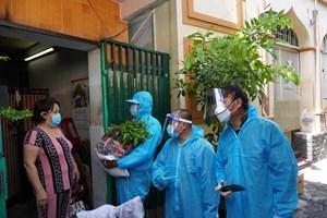 Chương trình 'Triệu túi quà' hỗ trợ đồng bào Chăm tại Quận 8, TP HCM