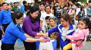 TP Hồ Chí Minh: Công bố kế hoạch nhiều hoạt động chăm lo Tết cho người lao động