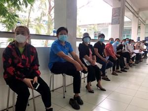 Tiêm thử nghiệm vaccine 'Made in Việt Nam' giai đoạn 2 cho tình nguyện viên ở Long An