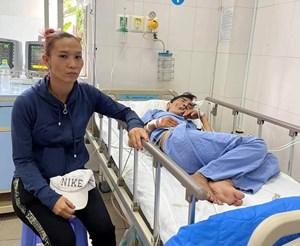 Nghệ sỹ Thương Tín bị đột quỵ đã tỉnh lại, khóc đòi ra viện vì không có tiền