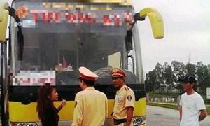Đắk Lắk: Xử phạt hay nhắc nhở xe chở khách du lịch vi phạm giao thông?