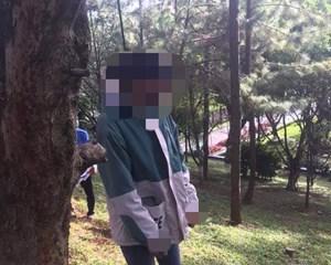 Gia Lai: Một phụ nữ chết trong tư thế treo cổ ở quảng truờng