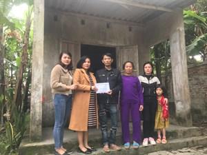 Bạn đọc Đại Đoàn Kết hỗ trợ anh Hoàng Văn Tuấn gần 90 triệu đồng