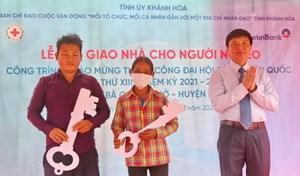 Khánh Hòa: Bàn giao 68 căn nhà cho hộ nghèo