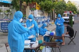 Khánh Hòa: Lấy mẫu xét nghiệm toàn bộ người dân từ 3-5 ngày/lần tại khu vực nguy cơ cao