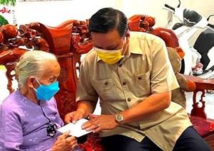 Lãnh đạo tỉnh Bình Định thăm các gia đình chính sách