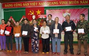 Tưng bừng Ngày hội Đại đoàn kết toàn dân tộc xã Pơng Drang