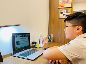 Học sinh quay cuồng hết học chính khóa đến học thêm online