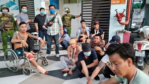 Mâu thuẫn trong đám cưới 8 người bị đánh, đâm và chém trọng thương