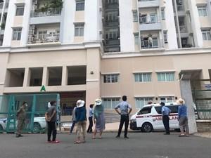 Một phụ nữ rơi từ tầng 10 xuống đất, tử vong tại chỗ