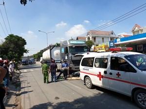 Đi ship hàng, người đàn ông 63 tuổi bị xe bồn ủi