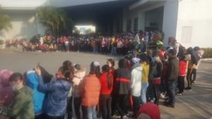 Nam Định: Hàng nghìn công nhân may ngừng việc vì không được thưởng Tết