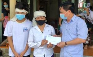Lãnh đạo tỉnh Thái Bình thăm hỏi gia đình các thợ xây gặp nạn