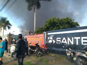 [ẢNH] Nam Định: Cháy lớn tại Công ty may trong KCN Hòa Xá