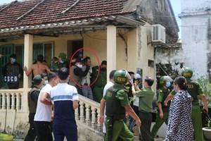 Nam Định: 'Đứng tim' cảnh bắt giữ người khống chế vợ, con gái, cháu ngoại