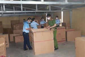 Nam Định: Phong tỏa hàng chục nghìn đồ chơi 'lậu'