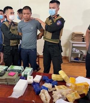 Vụ bắt 25 kg ma túy ở Thái Bình: Manh mối từ chiếc xe Santafe