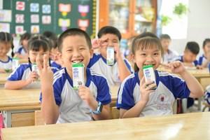 Chương trình sữa học đường ở TP Hồ Chí Minh mở rộng đến 24 quận huyện