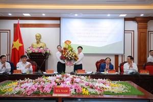 Tỉnh Hà Nam cam kết phối hợp chặt chẽ, tạo mọi điều kiện cho Ngành điện kinh doanh và hoàn thành sứ mệnh của mình