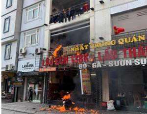 Hà Nội: Cháy lớn tại một quán lẩu quận Thanh Xuân
