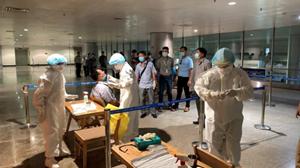 Toàn bộ 3.200 nhân viên ở sân bay Tân Sơn Nhất đều âm tính với Covid-19