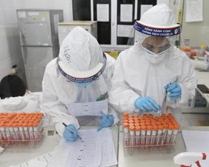 Thực hư thông tin 'TP HCM họp khẩn' vì 20 nhân viên sân bay' nhiễm Covid-19?