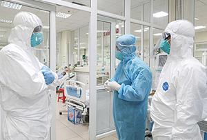 Hà Nội: 2 nhân viên y tế nhiễm Covid-19 khi điều trị bệnh nhân dương tính
