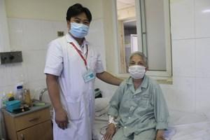 Cứu sống cụ bà 91 tuổi bị viêm túi mật cấp do sỏi kẹt cổ túi mật và sỏi ống mật chủ