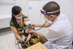 Sốt xuất huyết ở trẻ em: Không tự ý điều trị