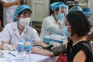 Hà Nội: Thêm 24 ca dương tính, phát hiện 4 ca qua sàng lọc ho, sốt cộng đồng