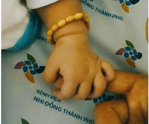 Bệnh nhân 14 tháng tuổi nhiễm Covid-19: Sức khoẻ ổn định, ăn ngoan.