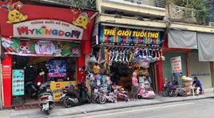 Cận lễ Noel: Thị trường đồ chơi cho bé nhộn nhịp