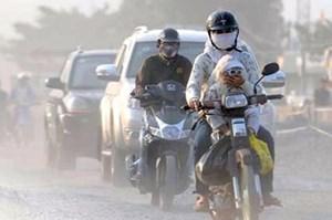 Không khí Hà Nội ở mức 'báo động', khuyến cáo người dân hạn chế ra ngoài