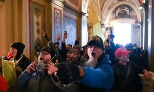 [Video] Người biểu tình xông vào điện Capitol