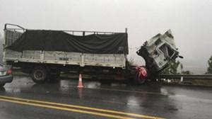 Tai nạn nghiêm trọng trên cao tốc Nội Bài - Lào Cai