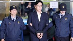 'Thái tử Samsung' bị kết án 30 tháng tù