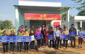 Đắk Nông: Bàn giao 33 căn nhà Đại đoàn kết cho người nghèo