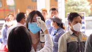 Thủ tướng: Phong tỏa TP Chí Linh, tạm dừng hoạt động sân bay Vân Đồn