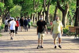 Hà Nội: Đề xuất tạm dừng phố đi bộ Hồ Gươm, xử lý 58 trường hợp không đeo khẩu trang
