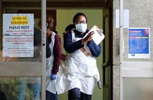 Biến thể virus mới và cuộc chiến vaccine