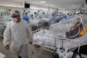 Phát hiện mới về sự nguy hiểm của biến thể SARS-CoV-2 từ Brazil