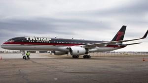 Máy bay Boeing dát vàng của ông Trump bỏ không