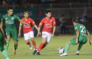 Sốt vé xem Lee Nguyễn đối đầu với Quang Hải ở sân Thống Nhất