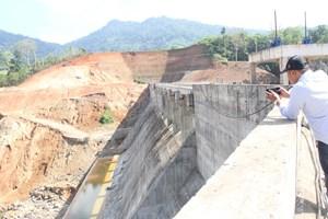 Dự án hàng trăm tỉ đồng bỏ hoang