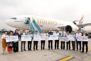 Việt Nam tiếp nhận 811.200 liều vaccine phòng Covid-19