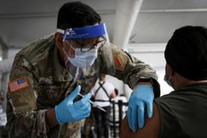 Tổng thống Mỹ Joe Biden hy vọng chia sẻ vaccine dư thừa với các nước