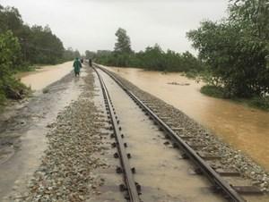 Đường sắt Bắc - Nam thông tuyến qua Huế